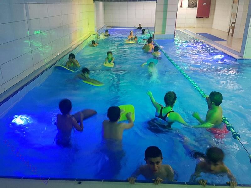 دورة سباحة