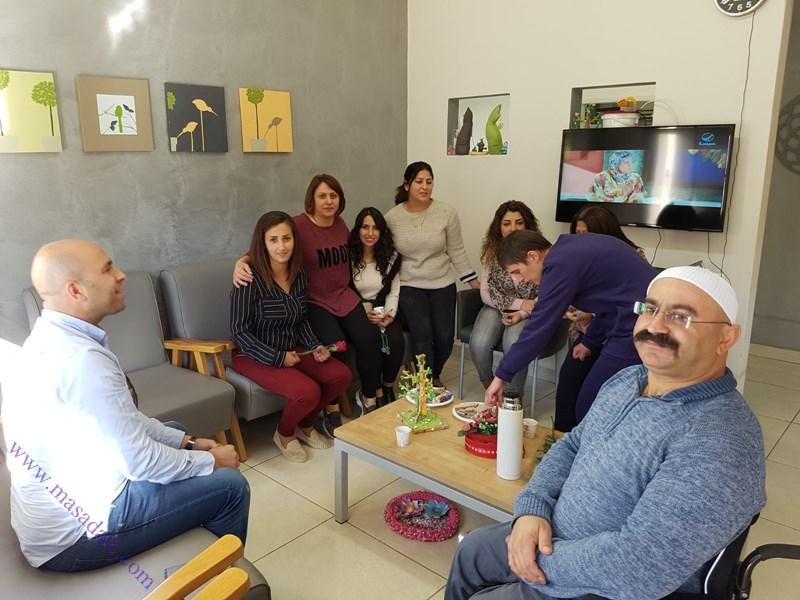"""בקור ראש המועצה ד""""ר סלמאן בטחיש וצוות הרווחה במרכז יום סיעודי תפוח לרגל היום הבינלאומי להזדהות עם בעלי הצרכים המיוחדים"""